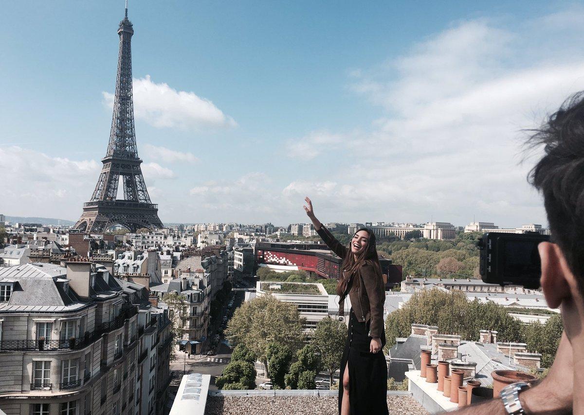 France 2017 : Alma filme sa carte postale à Paris