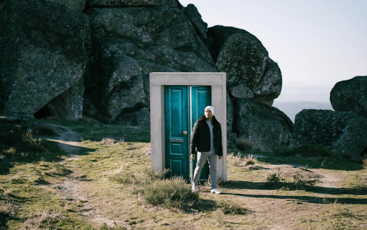 Lisbonne 2018 : Cesár et Sennek filment leur carte postale (Mise à jour : nouvelles images de Madame Monsieur)