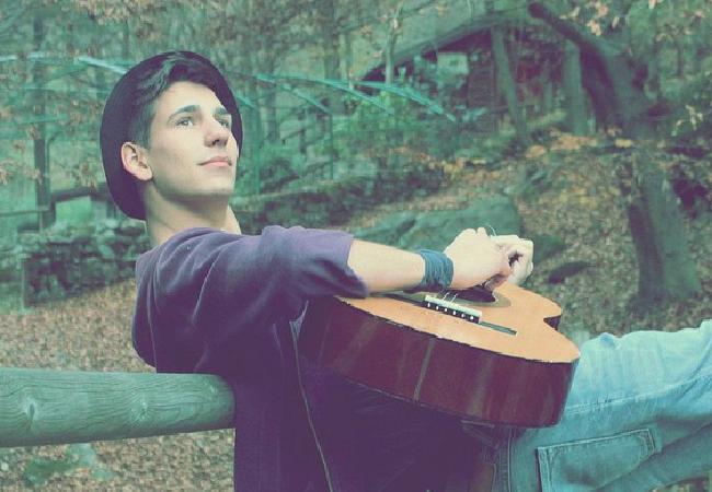 Sélection nationale suisse: Matteo Rossi (TH30) publie le clip de sa chanson «One More Time»