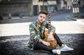 Les découvertes de Nico: Luca Hänni offre sa nouvelle chanson «Butterfly» à l'association Debra qui soutient les personnes atteintes d'épidermolyse bulleuse !