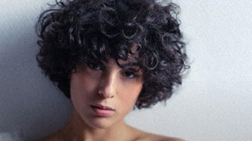Eurovision France, c'est vous qui décidez : interview de Barbara Pravi